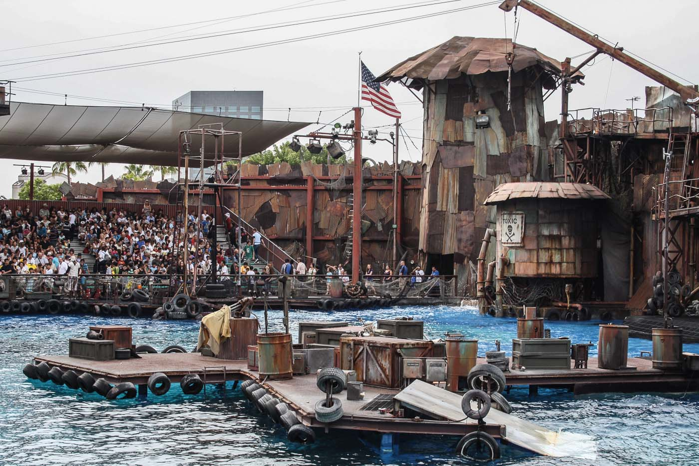 UniversalStudiosHollywood_Waterworld_02